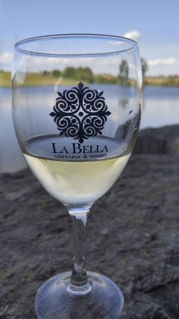 La Bella Vineyards & Winery