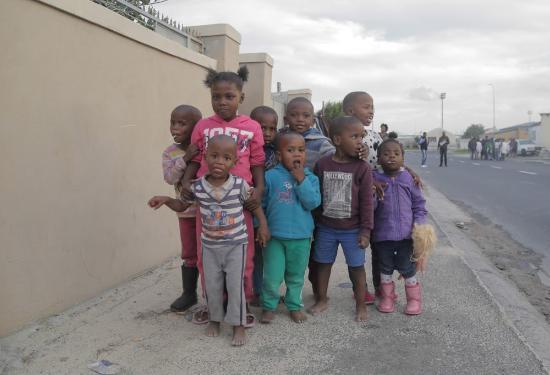 Khayelitsha, Sudáfrica: Neighborhood kids