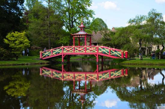 Le pont chinois photo de parc floral d 39 apremont for Apremont sur allier jardin