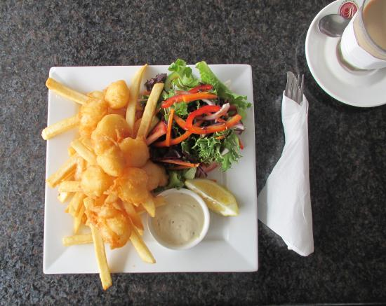 Sorell, Австралия: Yummy scallops with chips and salad