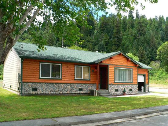 Elk Meadow Cabins: Johnny Redwood Cabin | A Guest Favorite