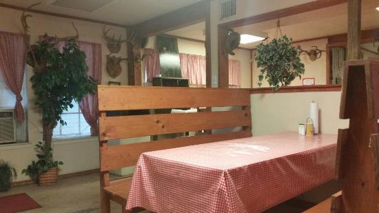 Dayton, TX: Pappy's interior