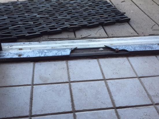 Miamisburg, Ohio: Broken door threshold