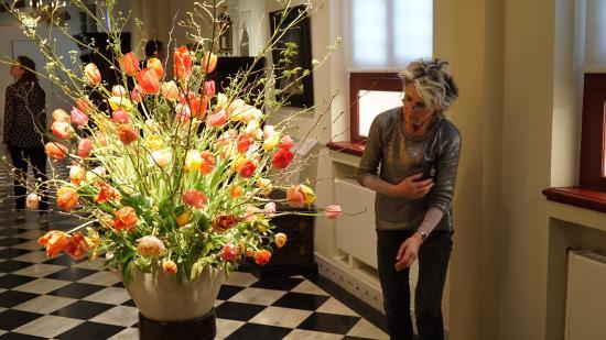 Musée Frans Hals : Beautiful Springtime Flowers - Frans Hals Museum, Haarlem