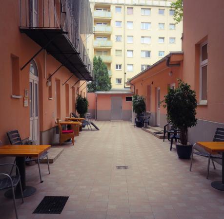 Queens Apartments : photo3.jpg