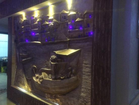 Nice decoration restaurant la mer goulette picture