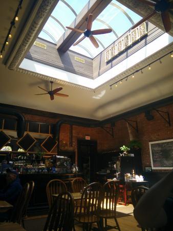 Whitehall, estado de Nueva York: Cool skylight