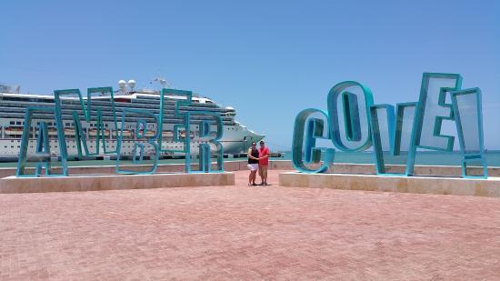 La Costa del Ámbar: Don't miss this GREAT photo opt!