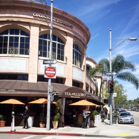 Glitterati Tours Via Alloro Italian Restaurant And Bar Near Rodeo Drive In Beverly Hills