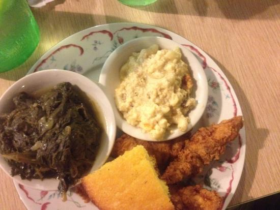 Arlington, TN: Chicken tenders plate with 2 sides and regular cornbread