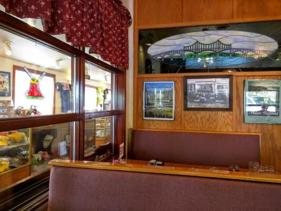 North Bend, OR: Pancake Mill Interior & Bakery