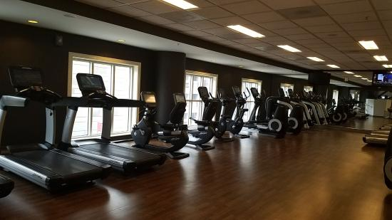 fitness center picture of marriott st louis grand. Black Bedroom Furniture Sets. Home Design Ideas
