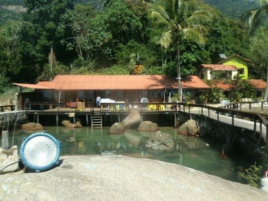 Aquario Hostel: Este es el aquario natural que tiene el hostel, hermoso de día y de noche
