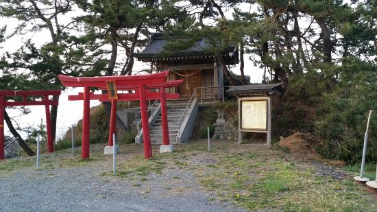 Tomarikawa Shrine