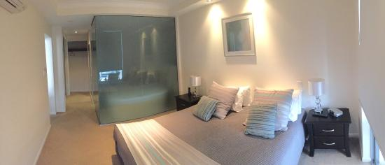 Master bedroom (ensuite behind frosted glass) - Picture of Vue ...