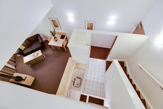 Oakwood Hotel & Apartments Brisbane : 2 Bedroom apartment - loft style kitchen