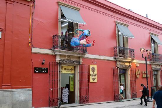 Huizache - Arte Vivo de Oaxaca: アルカラ通り