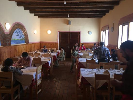 Interior a la hora del almuerzo