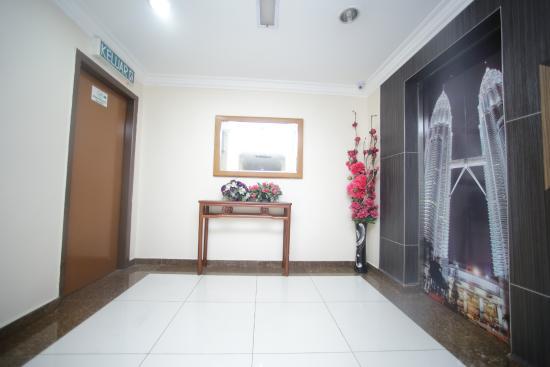 Hotel Safari Ampang: lift