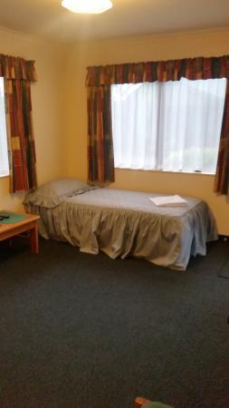 Otaki, Новая Зеландия: lounge with single bed