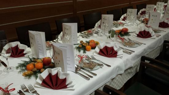 Traditionelle tafel im advent bild von romantik gersberg alm