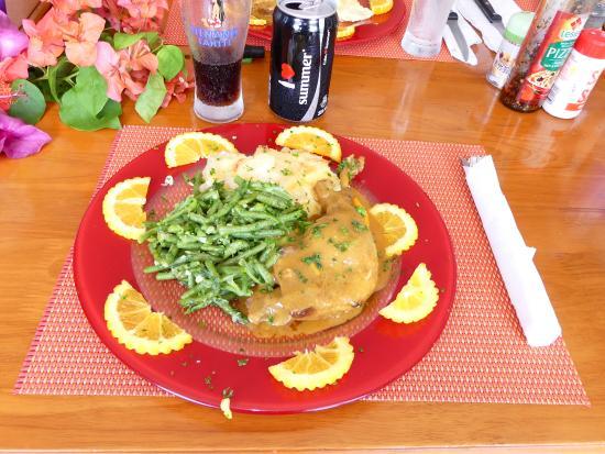Chez Luciano's: Repas servi par Luciano... Divin !!!!