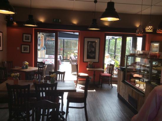 Grayshott Pottery: Inside cafe