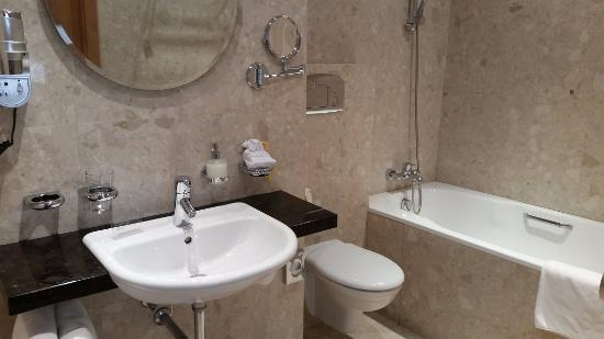 Il bellissimo bagno - Picture of Absolutum Boutique Hotel, Prague ...