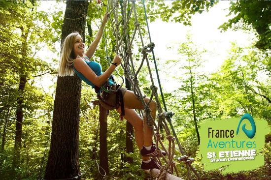 Saint-Jean-Bonnefonds, France : Activité adaptée aux familles et aux sportifs !