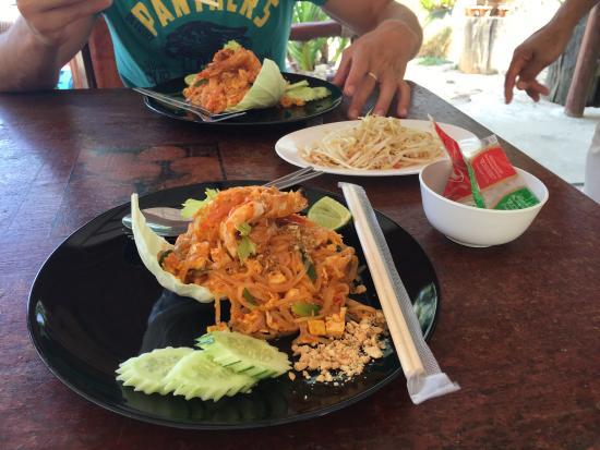 Ko Nakha Yai, Thailand: Posticino delizioso e cibo fantastico!! Thk you Chef A. Love this little secret place!