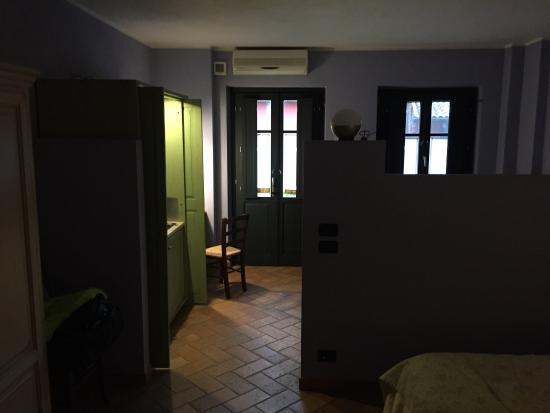 Le Serre Suites & Apartments: La suite matrimoniale e l'abbondante colazione