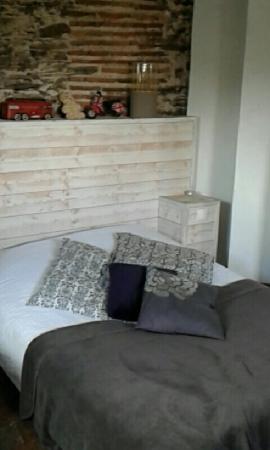 Appartements d'Hôtes Le Jeu et La Gourmandise : Snapchat-2665830557067741372_large.jpg