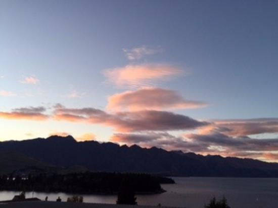 LakeRidge Queenstown: View from the front porch!