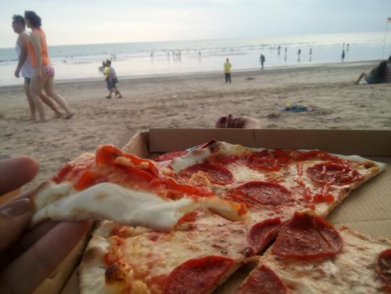 To Pizza Beach Perfect