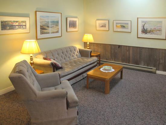North Saanich, Canadá: Cottage Livingroom