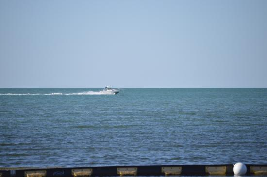 """Captain Hook's Marina & Dive Center: This was the """"BAY"""" after our """"ride"""" that they said had 4-6' waves in it and why we didn't go! LI"""