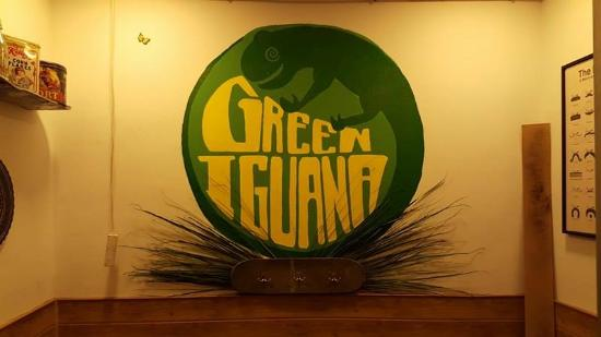 Green Iguana Bar