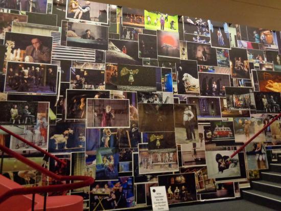 Schauspielhaus Pfauen: Treppenaufgang im Schauspielhaus