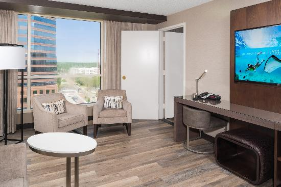 Durham Marriott City Center: King Suite