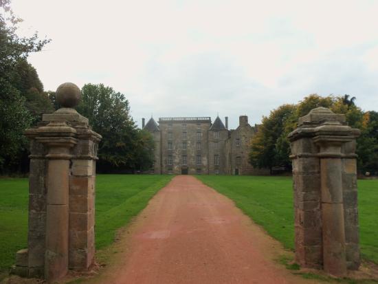 Bo'ness, UK: Main entrance.