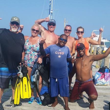 Ecologic Divers Belize. Joe, Lisa, Corey, Gary, Sandy. Front, Shorty and Greg.