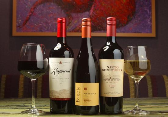 Market Grill Steak & Seafood: Wines from all over