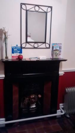 The Old Poets' Corner: Wheatcroft Room decorative fireplace