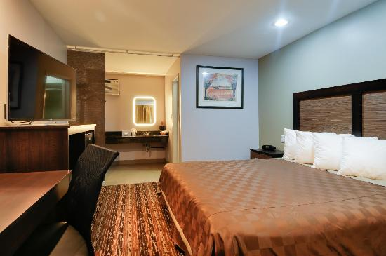 Vagabond Inn Sunnyvale: King Bed 7