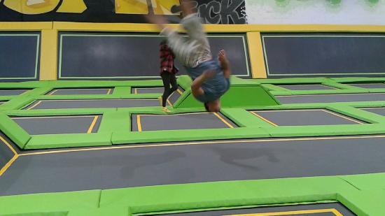 Bolton, UK: Jump Xtreme