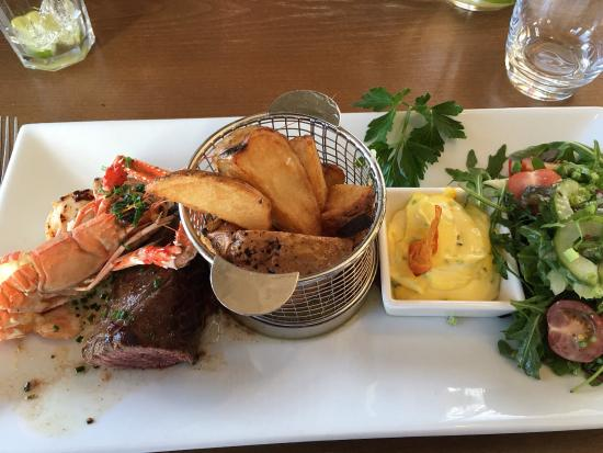 Tarbert, UK: Delicious food in restaurant Cranachan and surf and turf.