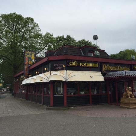 Princess garden chinees specialiteiten restaurant for Restaurant exterieur