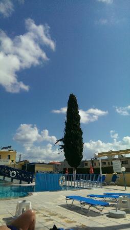 Kefalonitis Hotel Apts.: IMAG1467_large.jpg