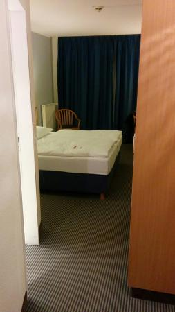 Hotel bien situado