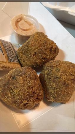 Bellmead, Техас: boudin balls - must order!